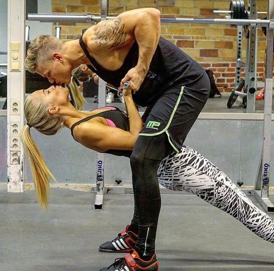rutinas de ejercicio en pareja 11