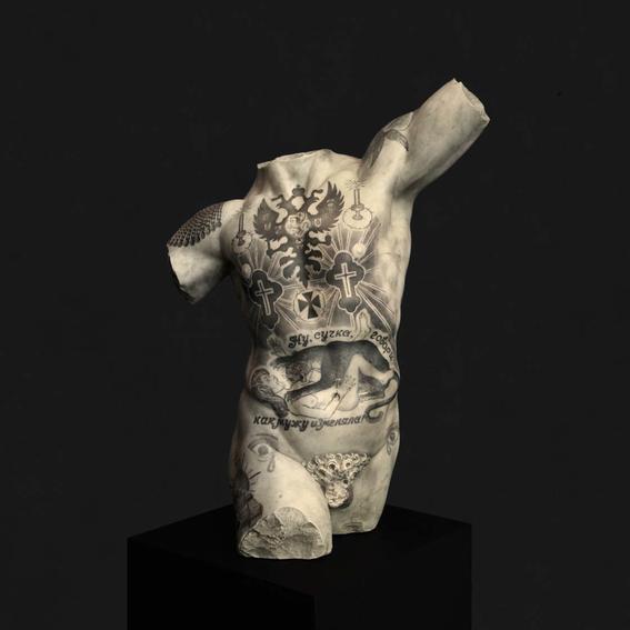 esculturas clasicas tatuadas de fabio viale 3