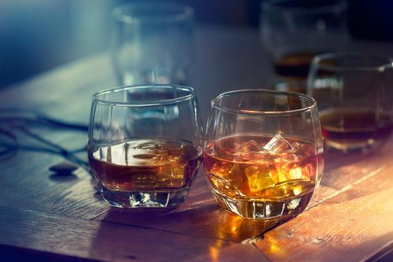 razones por las que debes tomar whisky 1