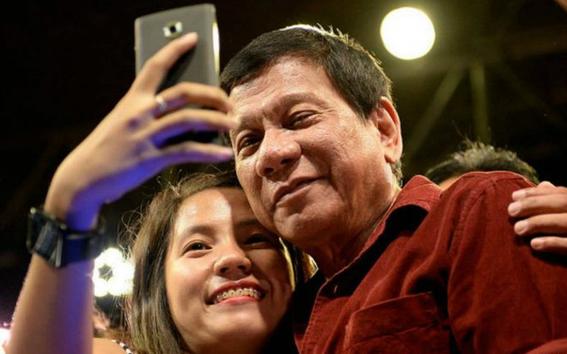 presidente de filipinas ordena disparar en vaginas de mujeres terroristas 1