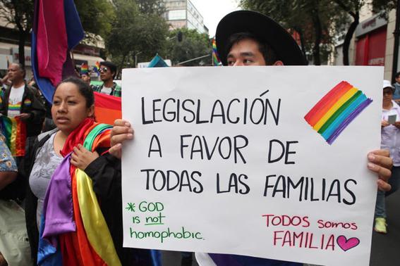 rechazo a la familia homosexual en la politica 3