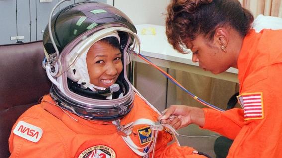 mae c jemison astronauta 4