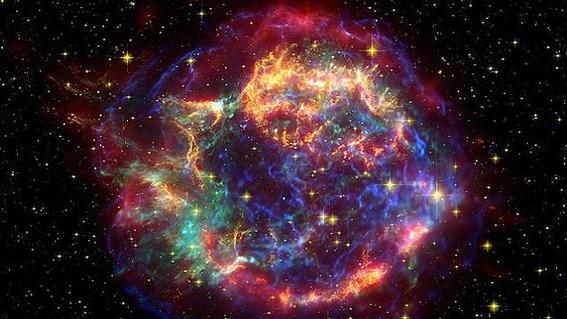 mega explosion cosmica de supernova 1