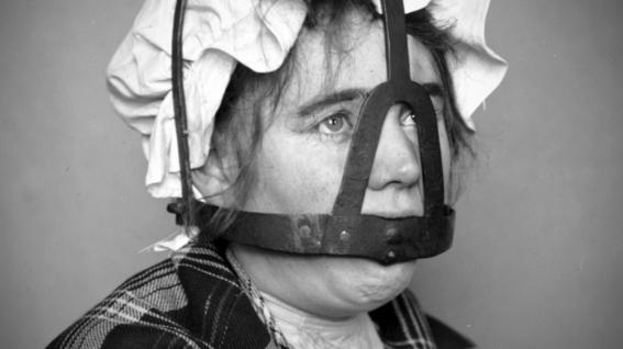 metodos de tortura para mujeres 5