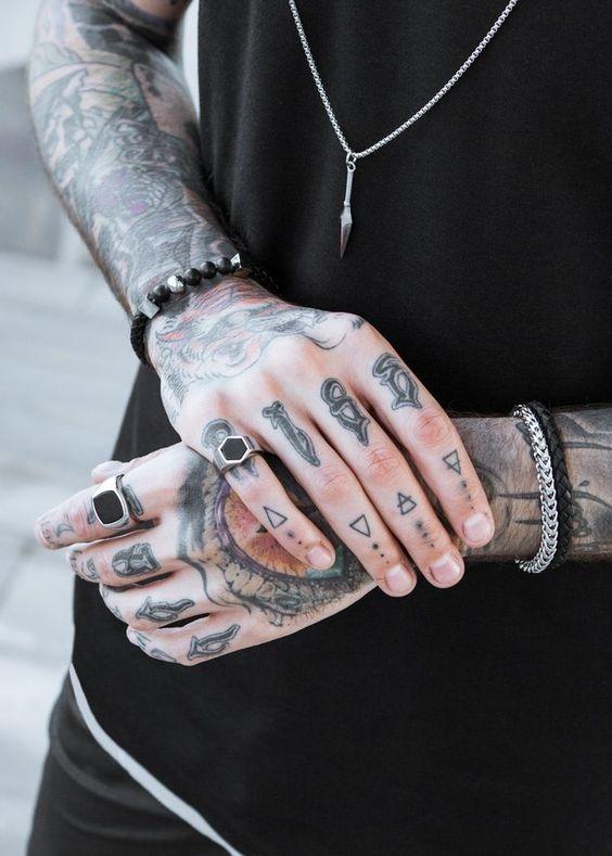 tatuajes en las manos 7
