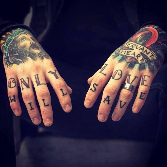 tatuajes en las manos 14