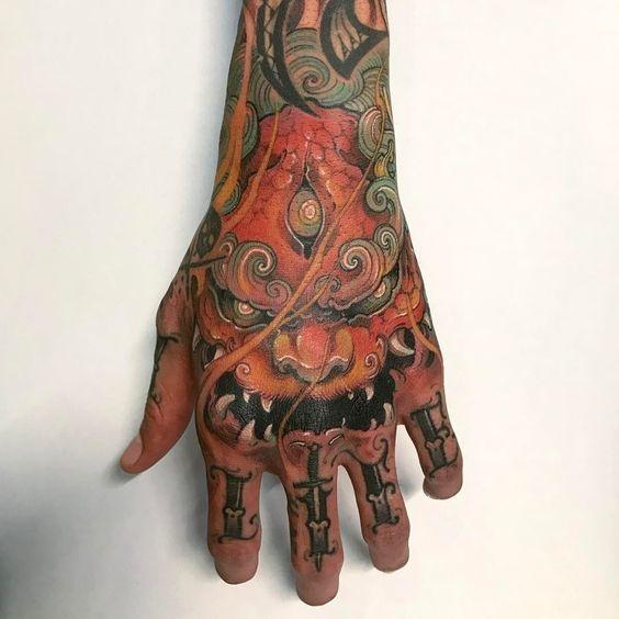 tatuajes en las manos 18