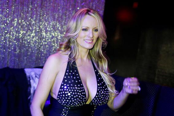 actriz porno stormy daniels demanda a donald trump 2