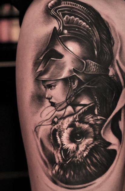 12 tatuajes para llevar contigo a la diosa griega que mejor te