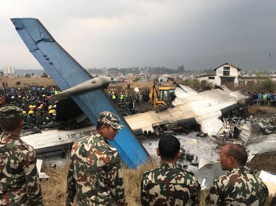 se estrella avion en aeropuerto de nepal 1