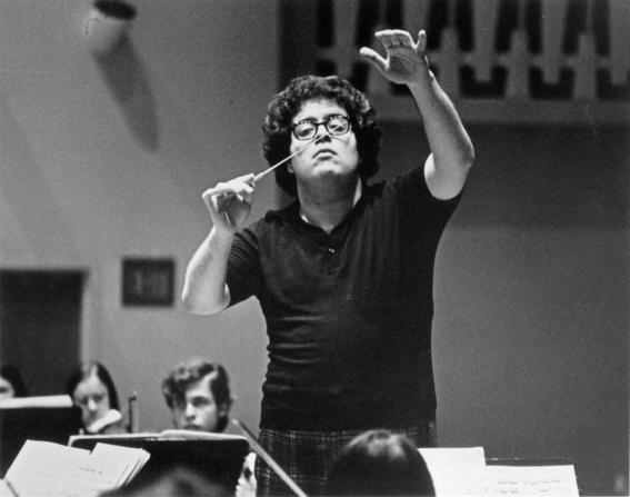 despiden al director de orquesta metropolitana de nueva york 2