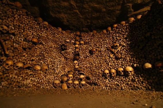 paris catacombs 5