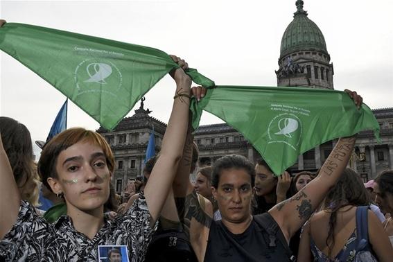 llamado a las mujeres al aborto legal en argentina 3