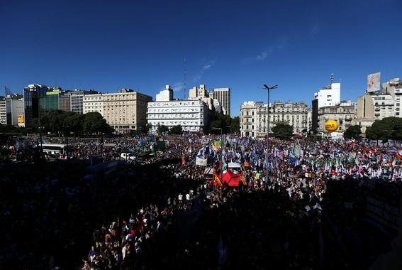 llamado a las mujeres al aborto legal en argentina 4