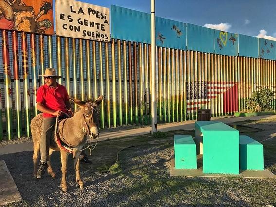 Francisco Mata Rosas photographs of the border 2
