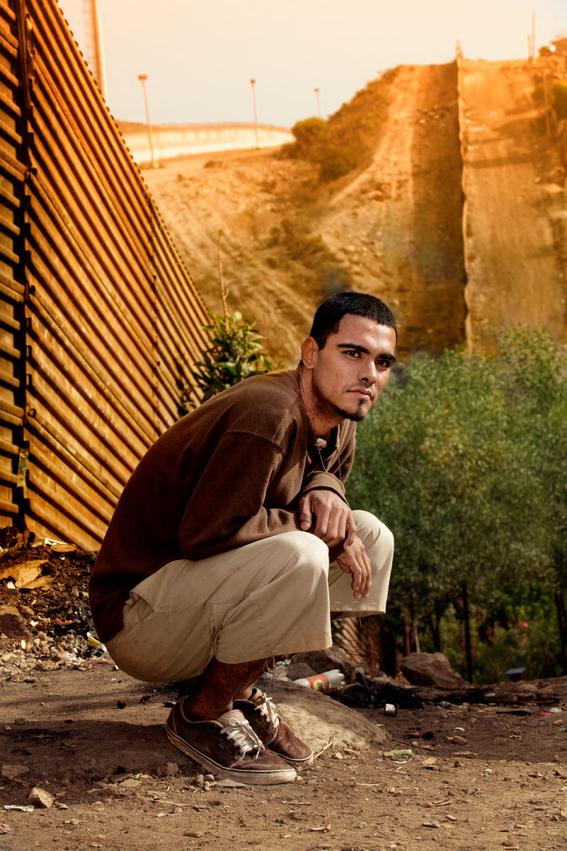Francisco Mata Rosas photographs of the border 8