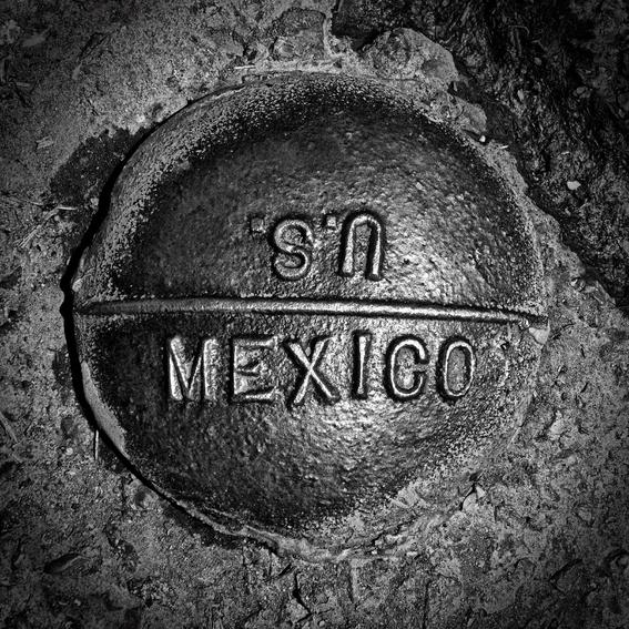 Francisco Mata Rosas photographs of the border 14