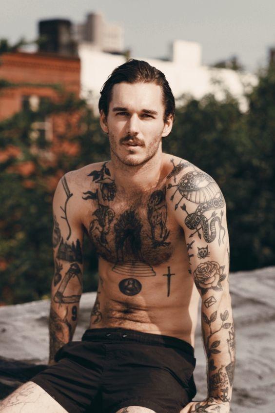 tatuajes en los hombros para hombres 1