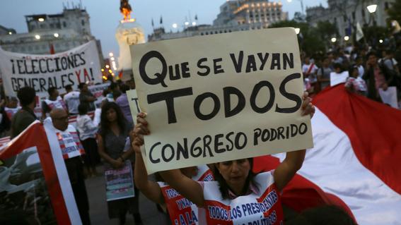 congreso peruano acepta renuncia del presidente kuczynski 3