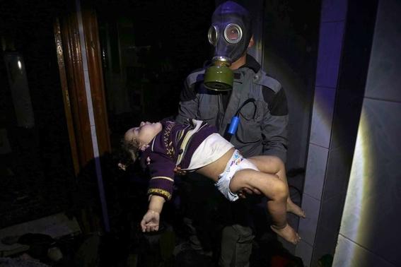 Bombardeo y ataque químico en Siria 1