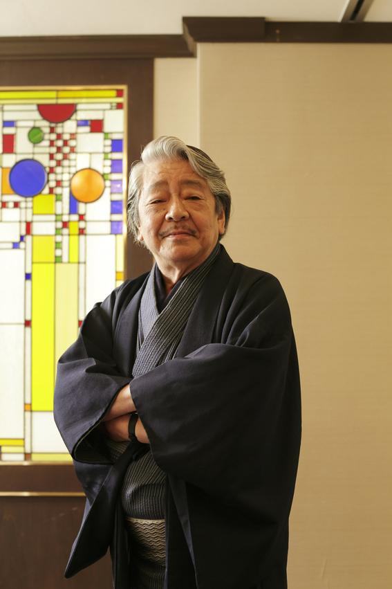 escritores japoneses 8