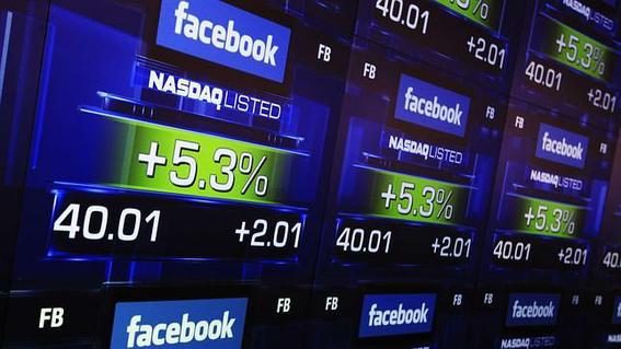 zuckerberg se hace millonario mientras comparece 1