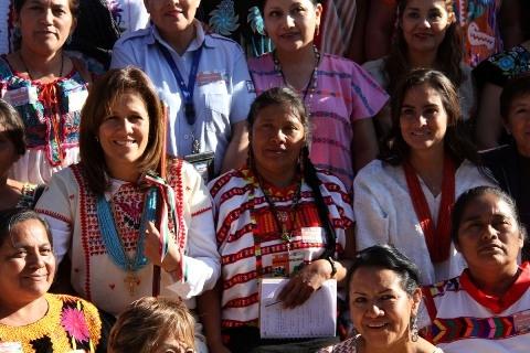 margarita zavala apoya a mujeres indigenas y animales 3