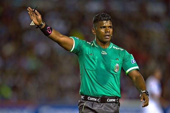 discriminan a arbitro afromexicano 1