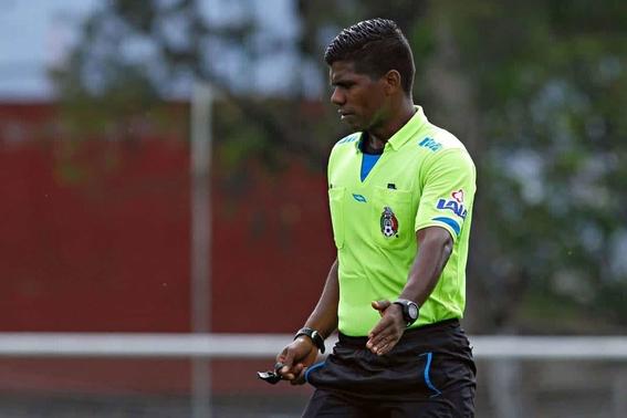 discriminan a arbitro afromexicano 2