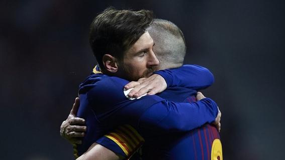 andres iniesta se retira del barcelona 3