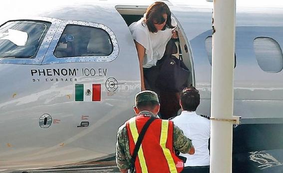 margarita zavala viajo en avion privado 3