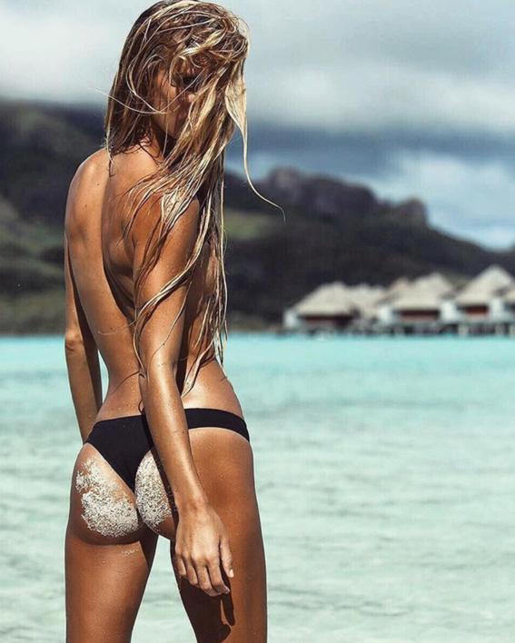 formas de salir perfecta en una foto con bikini 10