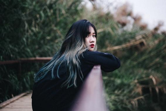 como recuperar el color natural del cabello 8