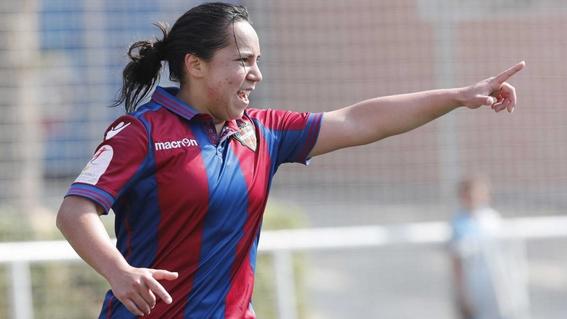 charlyn corral gana el pichichi en futbol femenil en espana 1