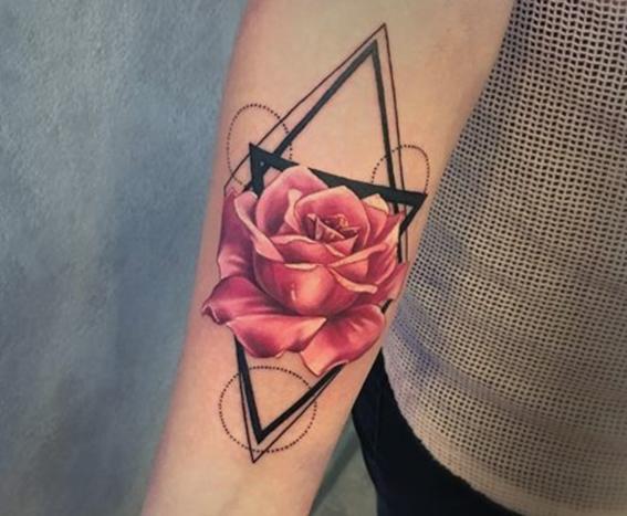 tatuajes de tinta roja para hombres 5