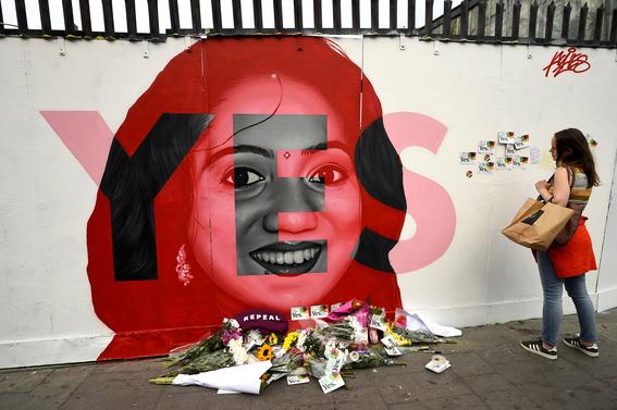 irlanda vota si a la legalizacion del aborto 2