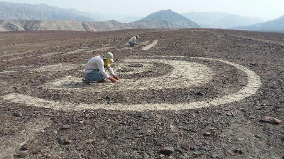 descubren geoglifos en peru mas antiguos que lineas de nazca 3
