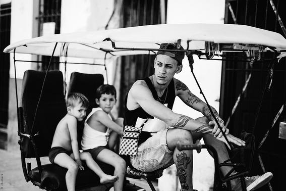 como es crecer en las calles de cuba en 15 fotografias de raquel chicheri 6