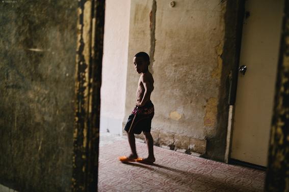 como es crecer en las calles de cuba en 15 fotografias de raquel chicheri 7