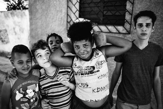 como es crecer en las calles de cuba en 15 fotografias de raquel chicheri 8