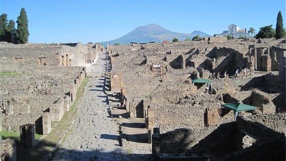 el aplastado de pompeya 2