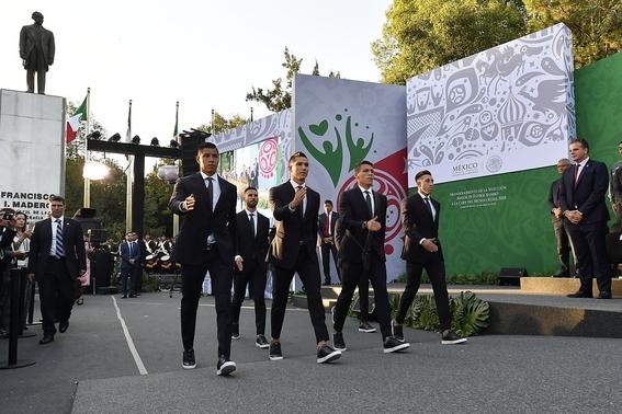 abanderamiento de la seleccion mexicana en los pinos mundial 2
