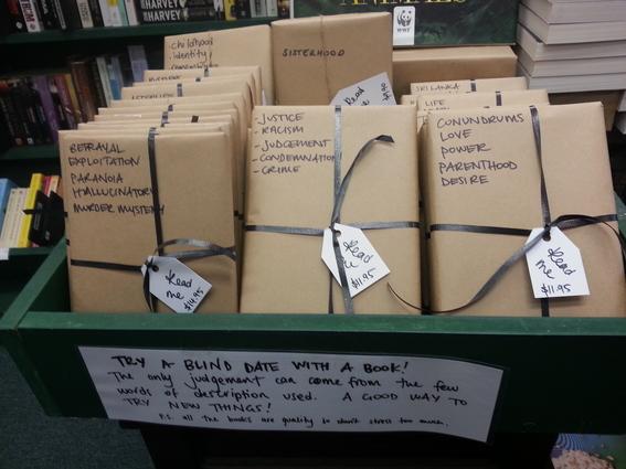 stand feria del libro en tijuana ofrece citas a ciegas con libros 1