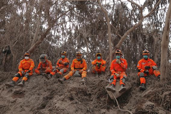 72 muertos en guatemala por erupcion volcanica 3