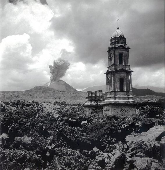 enrique g de la g erupcion del volcan de fuego 2