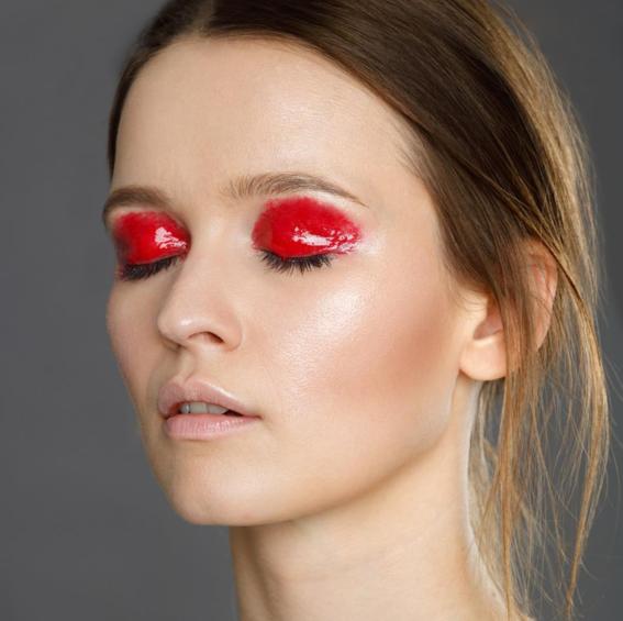 glossy eyeshadows trend 6