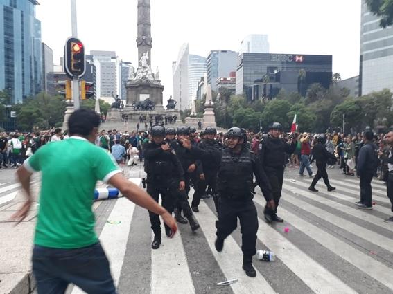 mexico gana a alemania y festejan en angel de la independencia 1