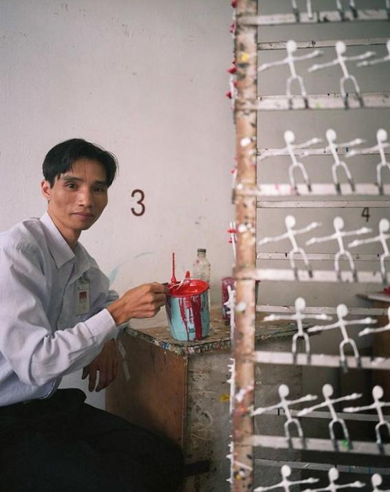 fotografias michael wolf que demuestran la esclavitud china en las fabricas de juguetes 3