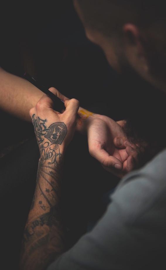 cosas que debes tomar en cuenta antes de hacerte un tatuaje en colores pastel 7