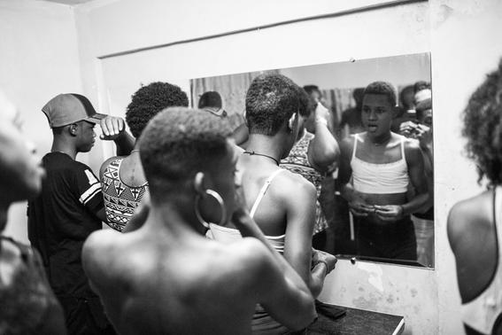 fotografias de tom maguire sobre la homosexualidad en madagascar 4